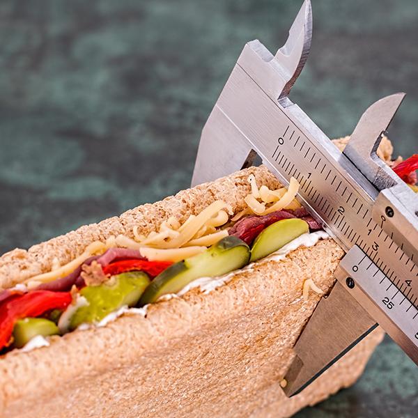 Welke voeding is nu het gezondst: Paleo, eiwitrijk, koolhydraatarm of oervoeding, hoe zit het nou Monique?